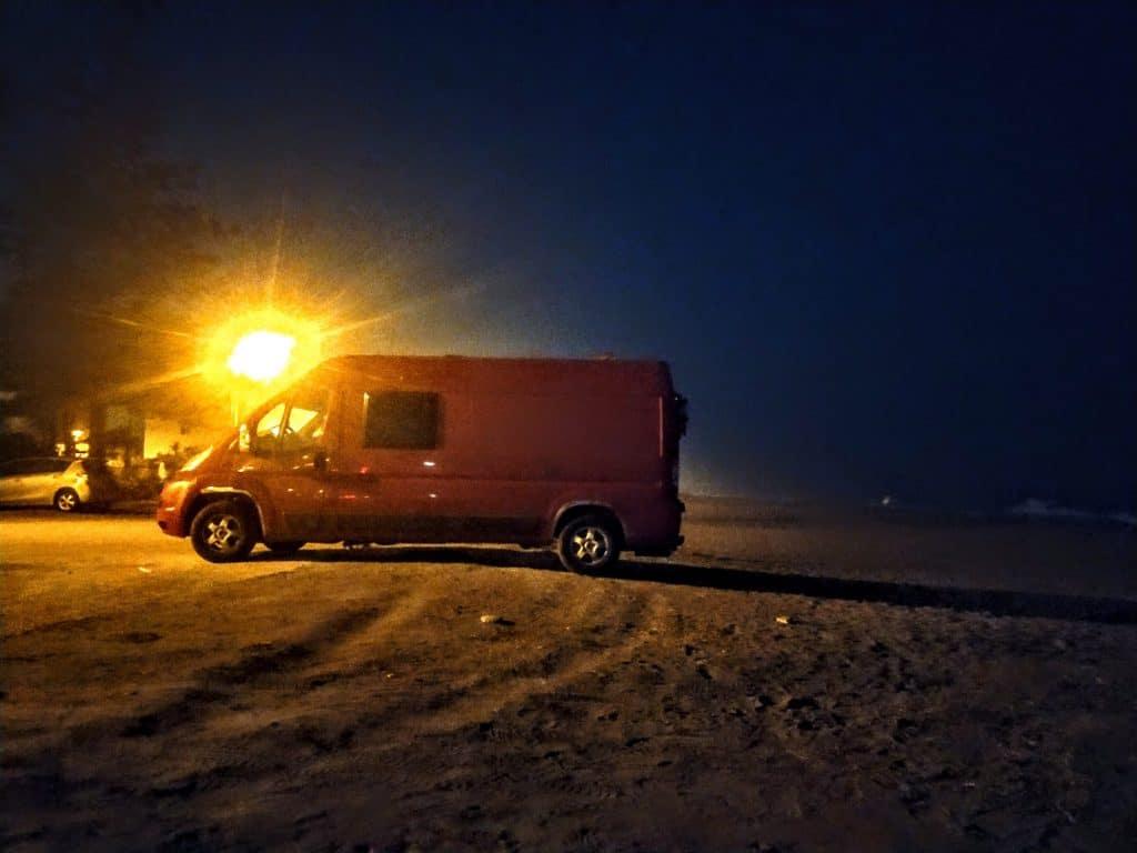 Busser by night